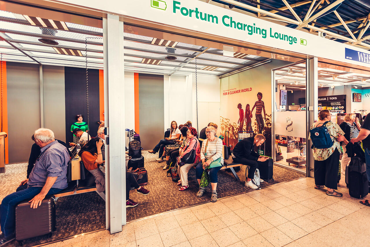 Fortum_Charging lounge wall_T1
