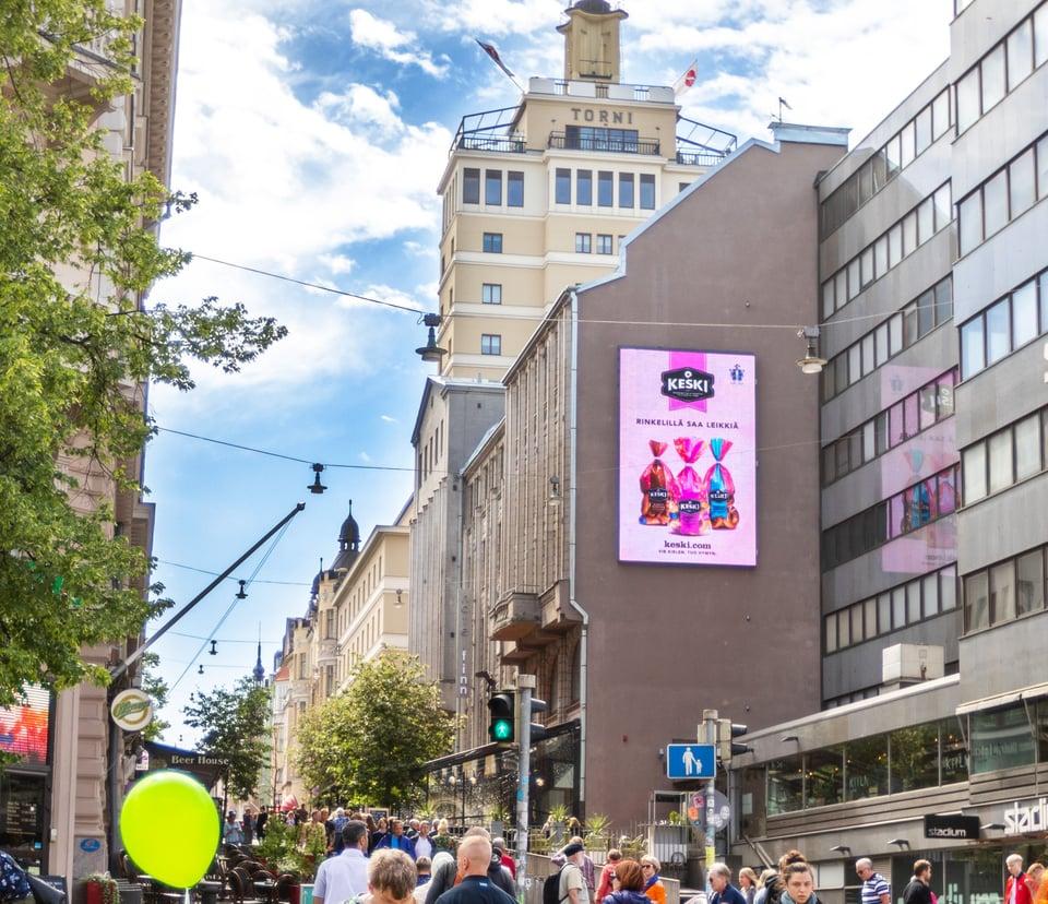 Tavoita shoppailijat uudella diginäytöllä HELSINGIN YDINKESKUSTASSA