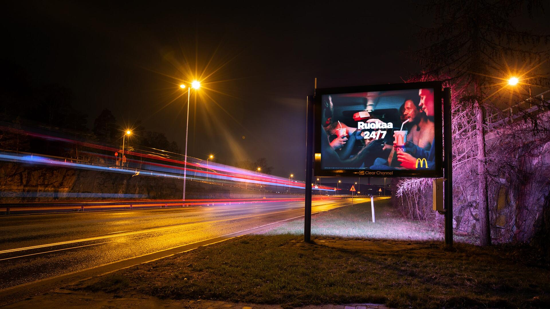 Digitaalinen mainonta autoteiden varsilla