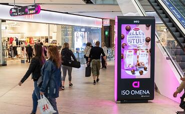 Shopping centre advertising gets consumers talking and buying