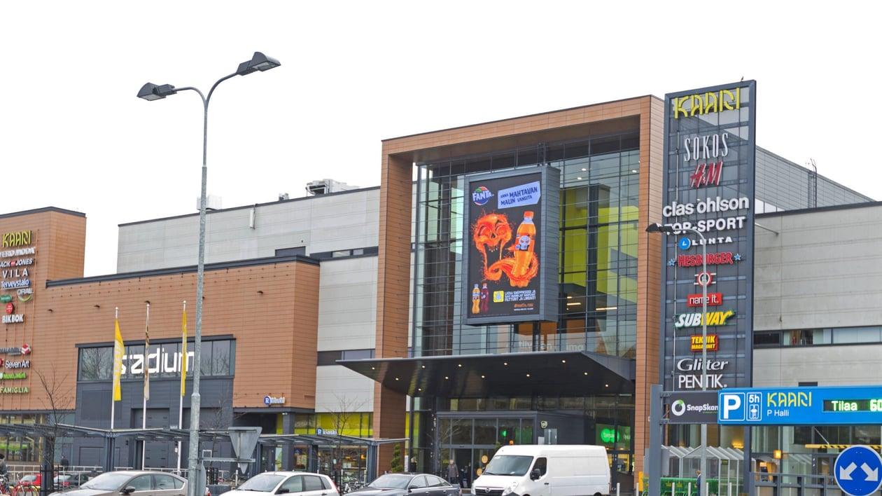 Kaari Shopping Wall