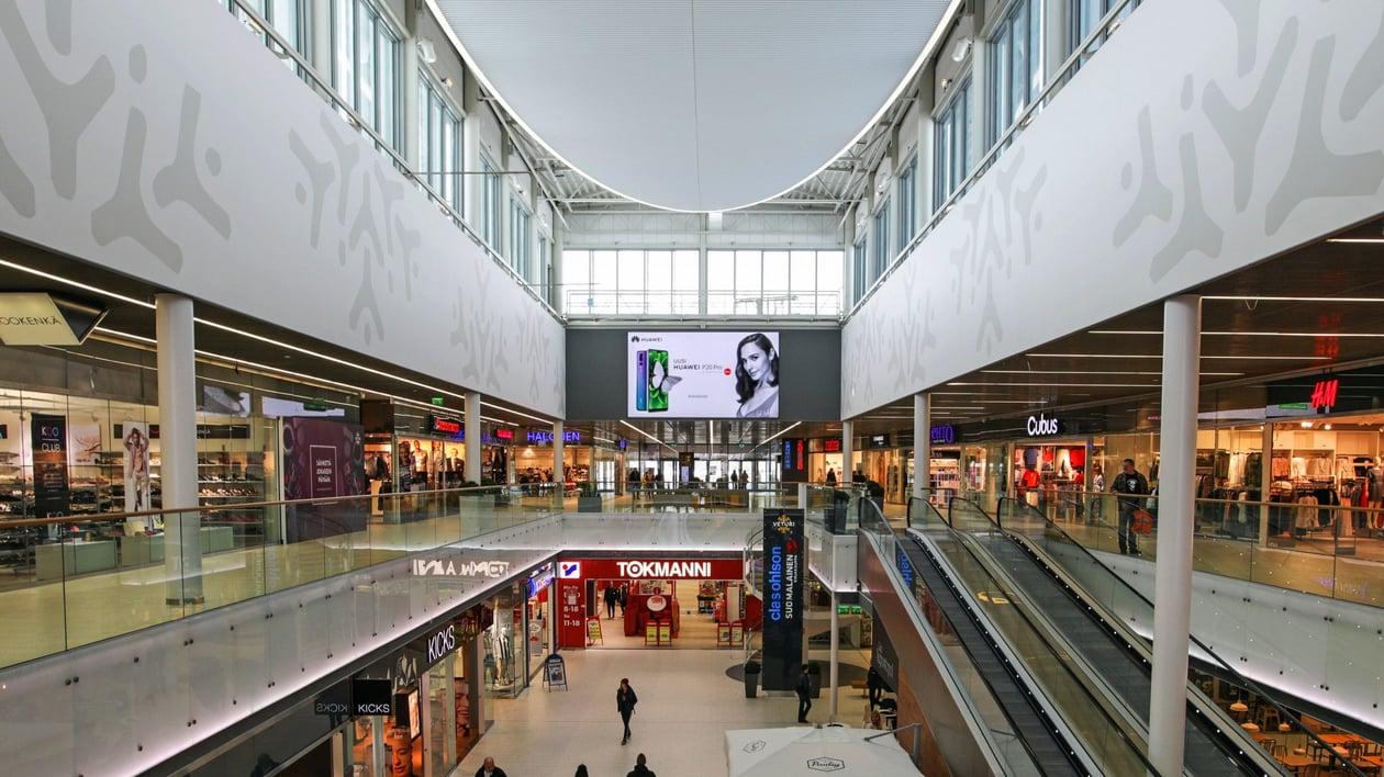 Veturi Shopping Wall